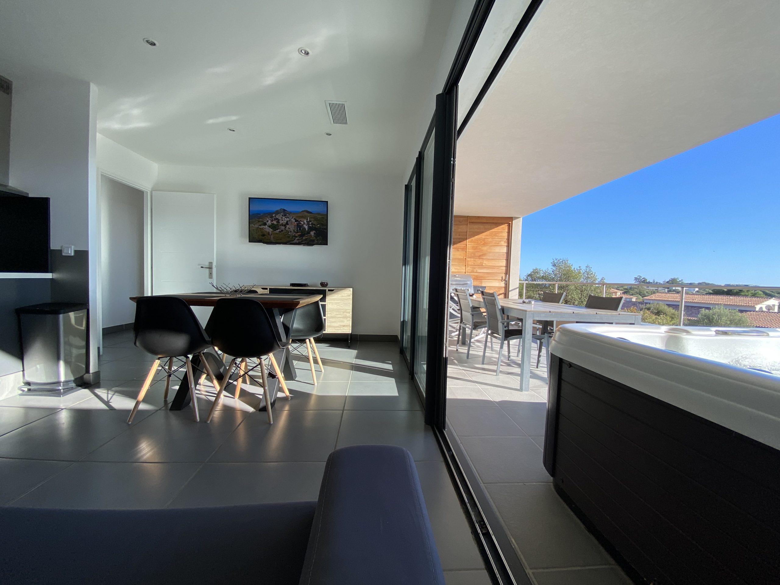 Salon et terrasse