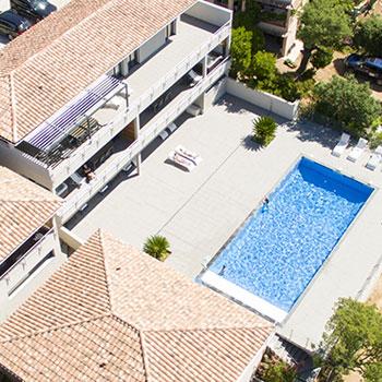 Vue de notre résidence de location à Pinarello